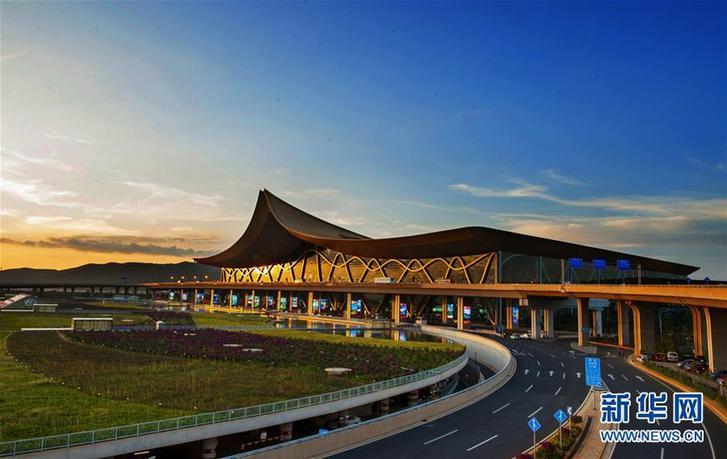 (百城百縣百企調研行·圖文互動)(3)搭起連接南亞東南亞的七彩之橋——昆明加快建設區域性國際中心城市