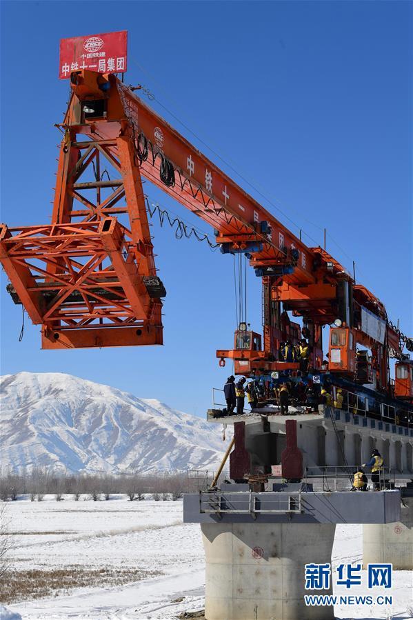 (经济)(8)川藏铁路拉林段施工持续进行