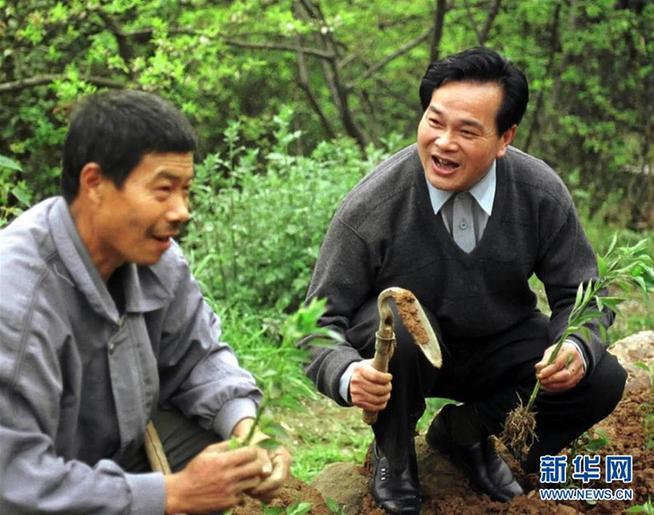 """(改革先锋风采·图文互动)(1)""""三峡之子""""冉绍之:做事老老实实,做人堂堂正正"""