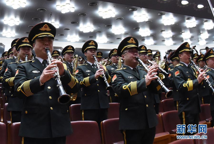 (两会·人大开幕·XHDW)(15)十三届全国人大一次会议在京开幕
