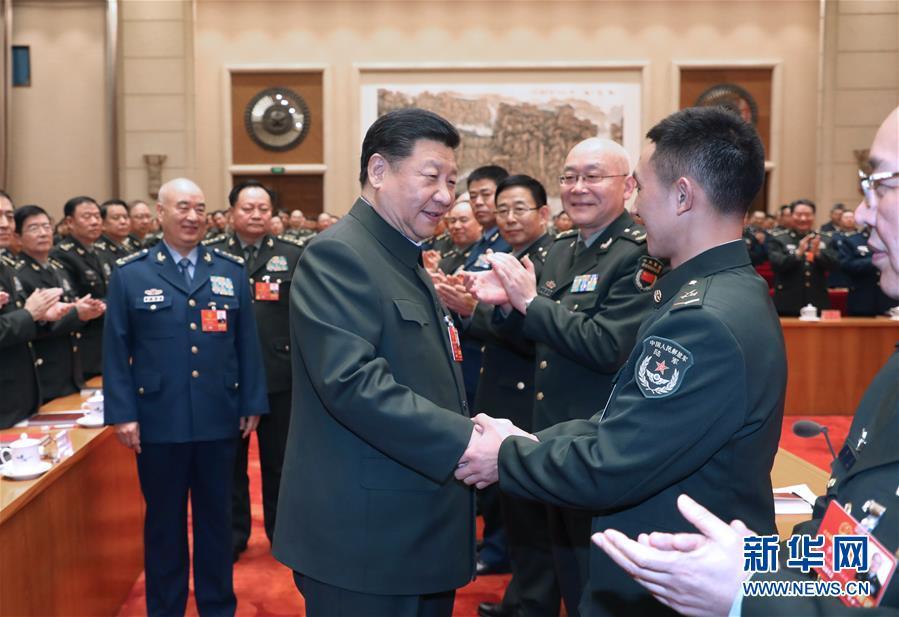 (两会)(2)习近平出席解放军和武警部队代表团全体会议