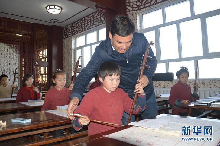 (改革先锋风采·图文互动)(3)库尔班·尼亚孜:民族团结进步的践行者