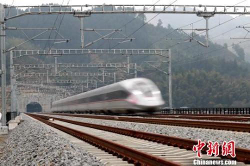 今年铁路有这些变化?#21644;?#20135;高铁3200公里 推广电子客票