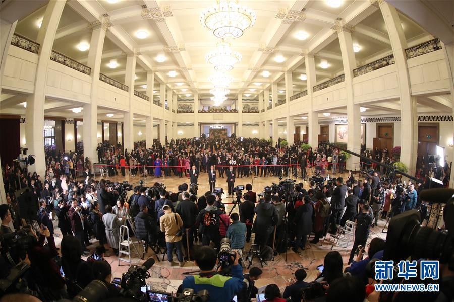 (新华全媒头条·两会特别报道·图文互动)(1)中国发展的明天一定更美好——从全国两会看奋进中国的发展信心