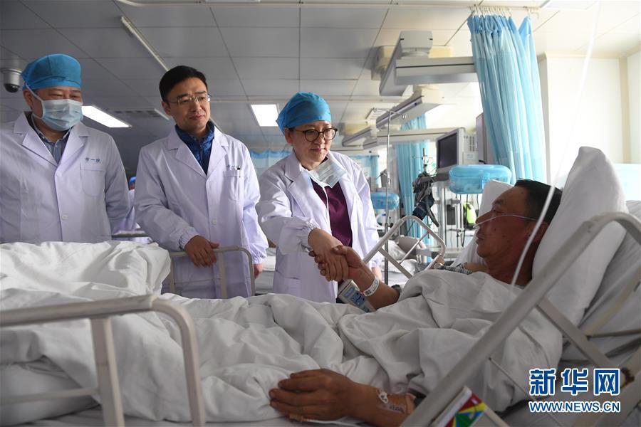 (新华全媒头条・响水化工厂爆炸事故・图文互动)(3)为了617个生命的赛跑――江苏响水爆炸事故伤员救治一线实录