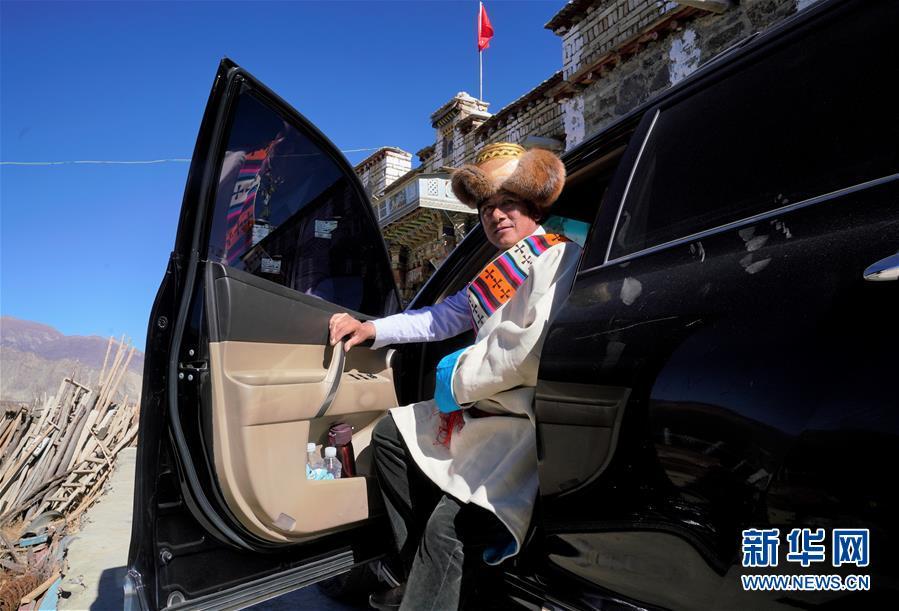 (新华全媒头条·图文互动)(6)昂首阔步向未来——写在西藏民主改革60周年之际