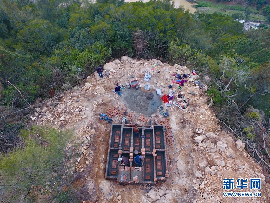 (新華視點·圖文互動)(2)福州沿海:密林深處、水庫旁邊,大片豪華活人墓偷偷建造……
