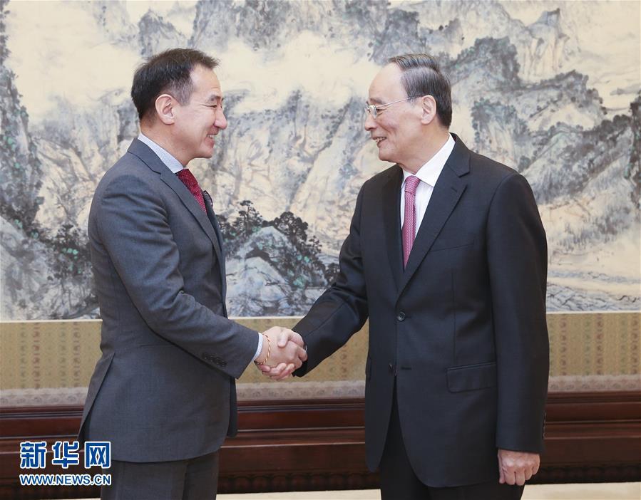 (时政)王岐山会见蒙古国外长朝格特巴特尔
