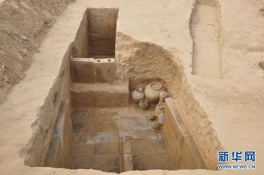 河南郑州出土160座两汉时期墓葬 千件文物揭秘古人生活