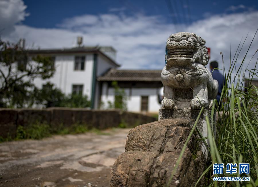 (壮丽70年·奋斗新时代——记者再走长征路·图文互动)(1)丽江古城的红色记忆