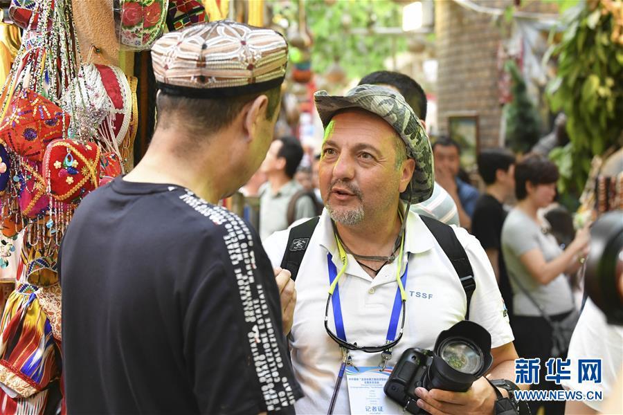 (圖文互動)(2)24國媒體記者探訪新疆 感受社會穩定民生改善 認可去極端化成就