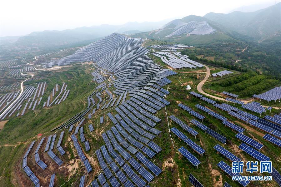 """(在习近平新时代中国特色社会主义思想指引下——新时代新作为新篇章·图文互动)(7)中条山下绿意浓——一个""""资源穷县""""的生态发展之路"""