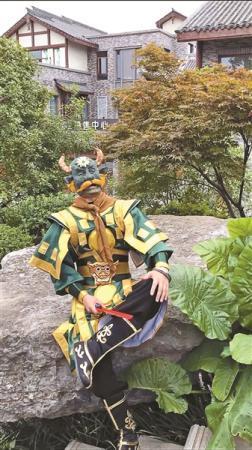 四川小伙热衷扮演《西游记》角色:希望经典不会被淡忘