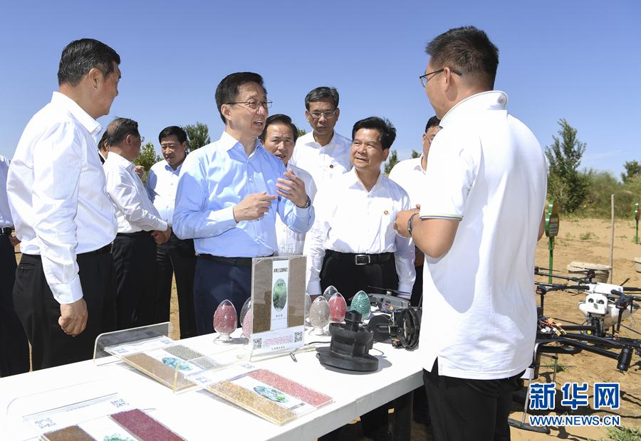 韩正在内蒙古调研时强调 形成持续推动防沙治沙的强大合力