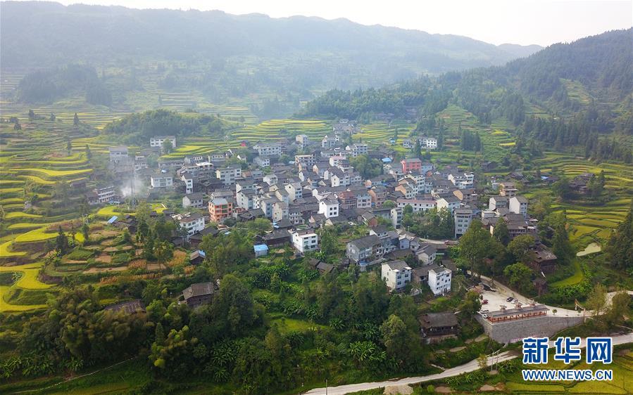 (圖片故事)(3)深山·村小·三十七年