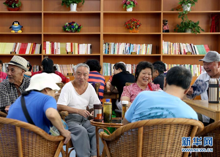 """(壮丽70年·奋斗新时代·重温嘱托看变化·图文互动)(4)上海:用""""绣花""""般精细治理传递城市""""温度"""""""