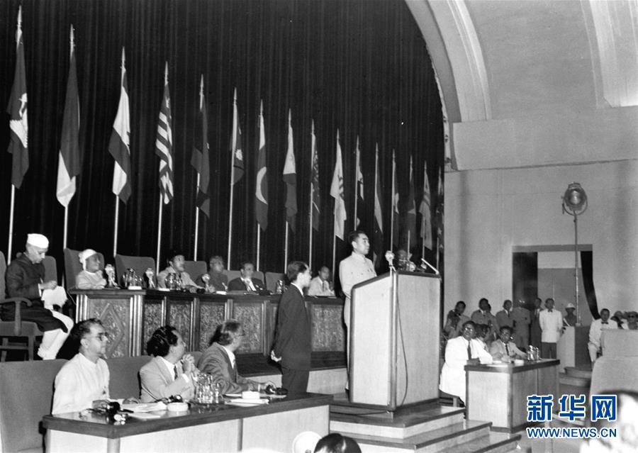 (壮丽70年·奋斗新时代——新中国峥嵘岁月·图文互动)(2)登上国际舞台