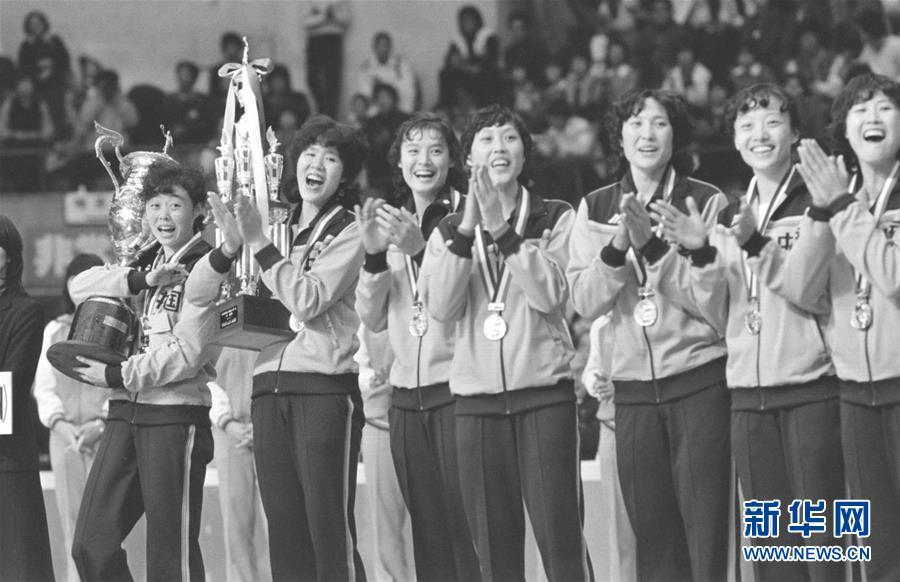 (新华全媒头条·图文互动)(5)天翻地覆慨而慷——从庆祝中华人民共和国成立70周年大型成就展看新中国光辉历程