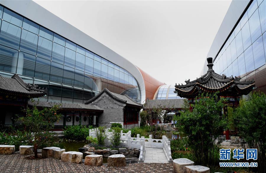 """(新华全媒头条·图文互动)(12)""""凤""""舞东方起宏图——写在北京大兴国际机场投运之际"""