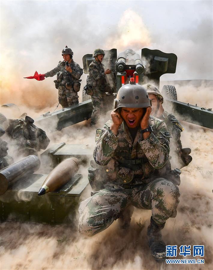 (新华全媒头条·图文互动)(9)沿着中国特色强军之路阔步前进——党中央、中央军委领导推进国防和军队建设70年纪实