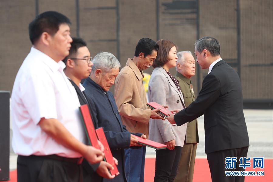 (图文互动)(3)让英雄回到亲人的怀抱——中国首次确认6位归国志愿军烈士遗骸身份