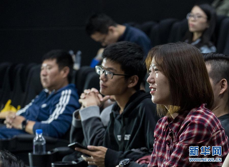 """(圖文互動)(12)""""在內地求學工作,和祖國共同成長""""——在京香港青年分享""""追夢""""故事"""