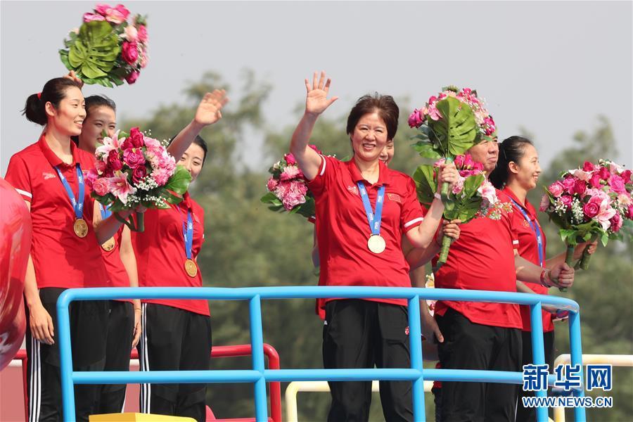 (新華全媒頭條·圖文互動)(5)凝聚愛國主義的磅薄力量!——新中國成立70周年盛典啟示錄