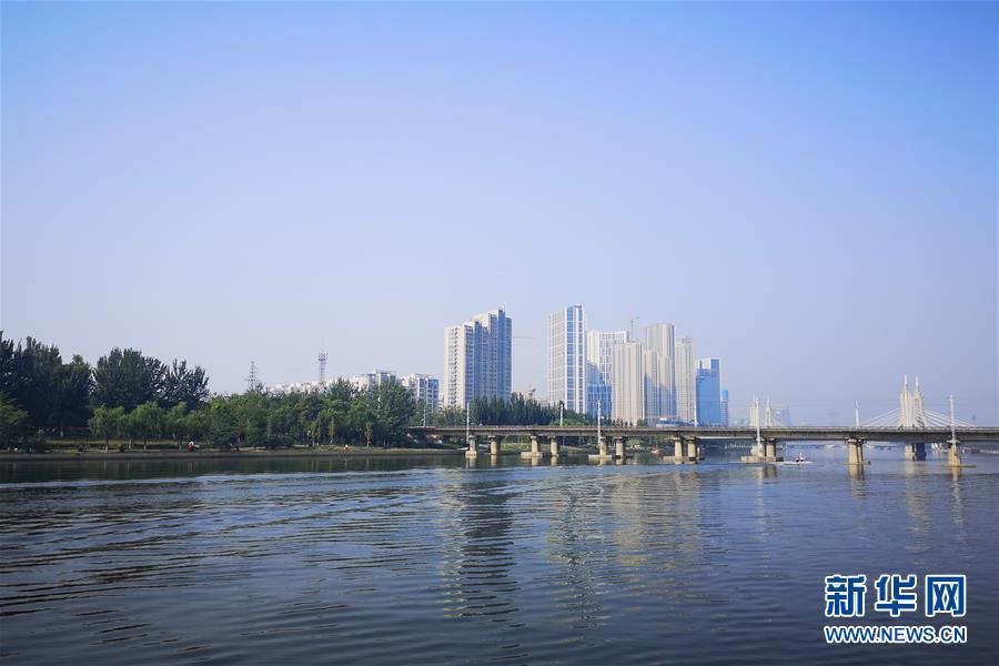 (新華全媒頭條·圖文互動)(20)凝聚愛國主義的磅薄力量!——新中國成立70周年盛典啟示錄