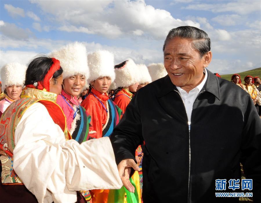 (壮丽70年·奋斗新时代——共和国荣光)(2)民族团结的楷模——热地