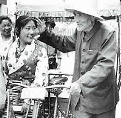 """白方礼资助沧州300贫困学子:""""我这样觉得自在快乐"""""""