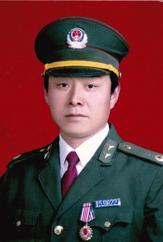 (为了民族复兴·英雄烈士谱·图文互动)人民警察白木仁:和平年代依旧不惧刀枪炸药