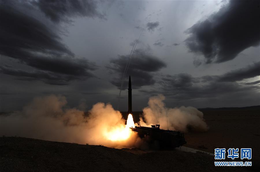 """(圖文互動)(2)永遠衝鋒的""""導彈發射先鋒營""""——記闊步強軍徵途的火箭軍某旅發射一營"""