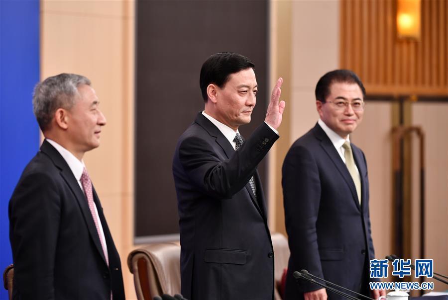 """(兩會·XHDW)(2)國資委主任肖亞慶等就""""國有企業改革發展""""答記者問"""