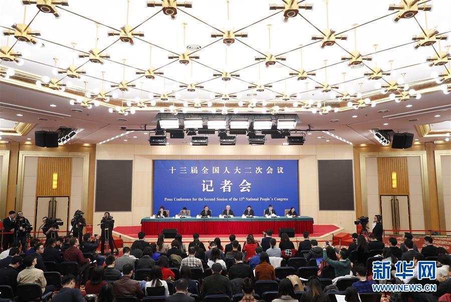 """(两会·XHDW)(1)科技部部长王志刚等就""""加快建设创新型国家""""答记者问"""
