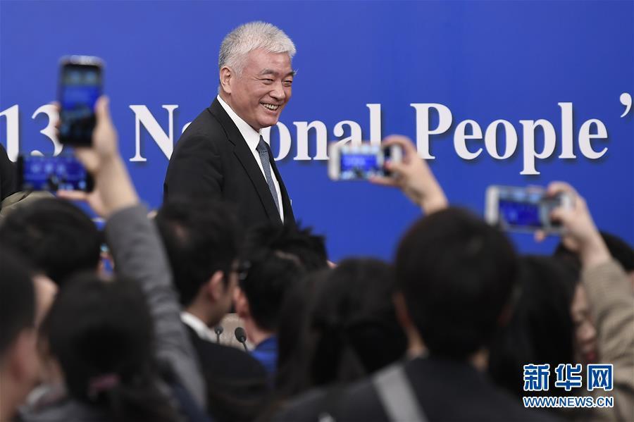 """(两会·XHDW)(7)科技部部长王志刚等就""""加快建设创新型国家""""答记者问"""