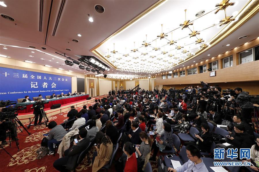 """(两会·XHDW)(4)科技部部长王志刚等就""""加快建设创新型国家""""答记者问"""