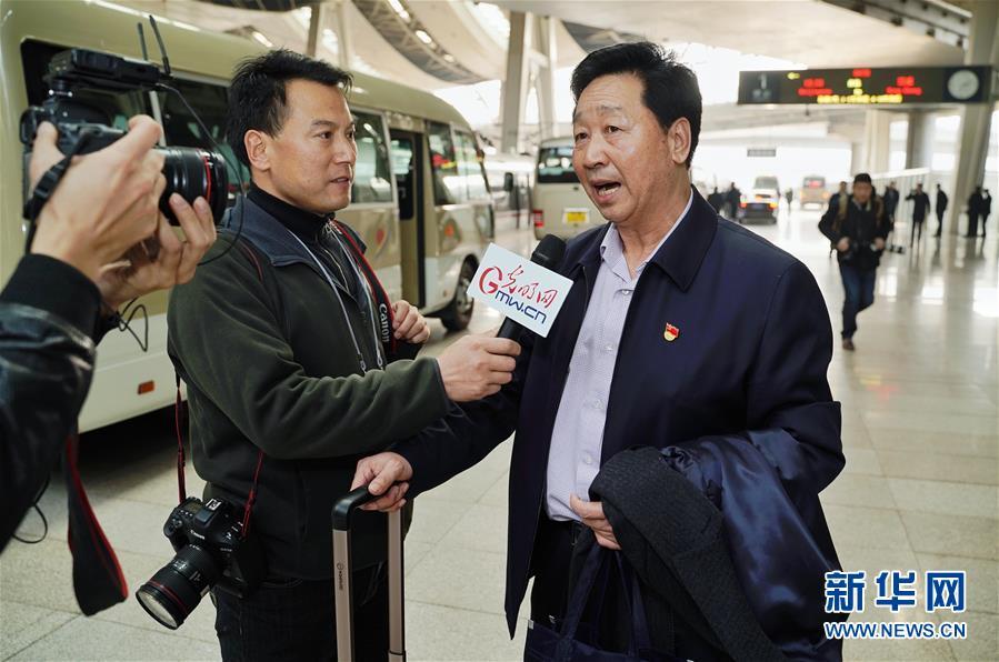 (新华全媒头条·图文互动)(3)2019——春天里的中国两会故事