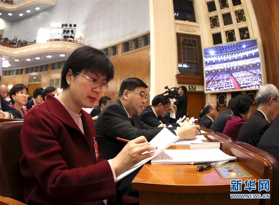 (新华全媒头条·图文互动)(6)2019——春天里的中国两会故事