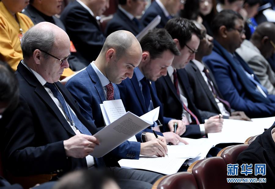 (新华全媒头条·图文互动)(10)2019——春天里的中国两会故事