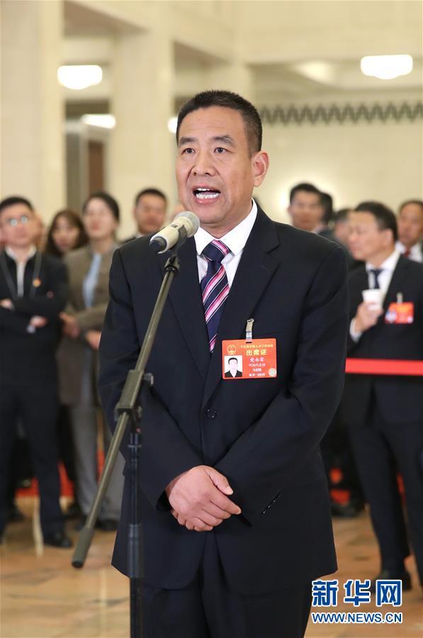 (新华全媒头条·图文互动)(11)2019——春天里的中国两会故事