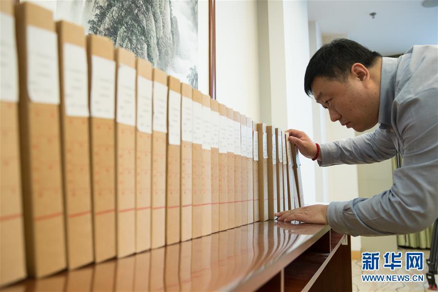 (新华全媒头条·图文互动)(12)2019——春天里的中国两会故事