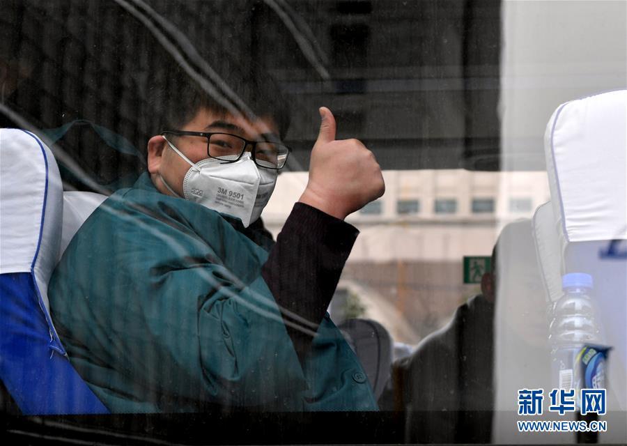 (新华全媒头条・图文互动)(17)万众一心迎挑战 众志成城战疫情――全国总动员打响疫情防控阻击战纪实