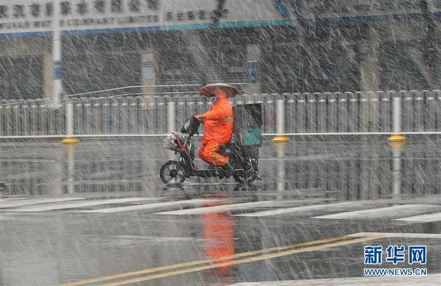 (聚焦疫情防控)(11)武漢迎來雨雪降溫天氣