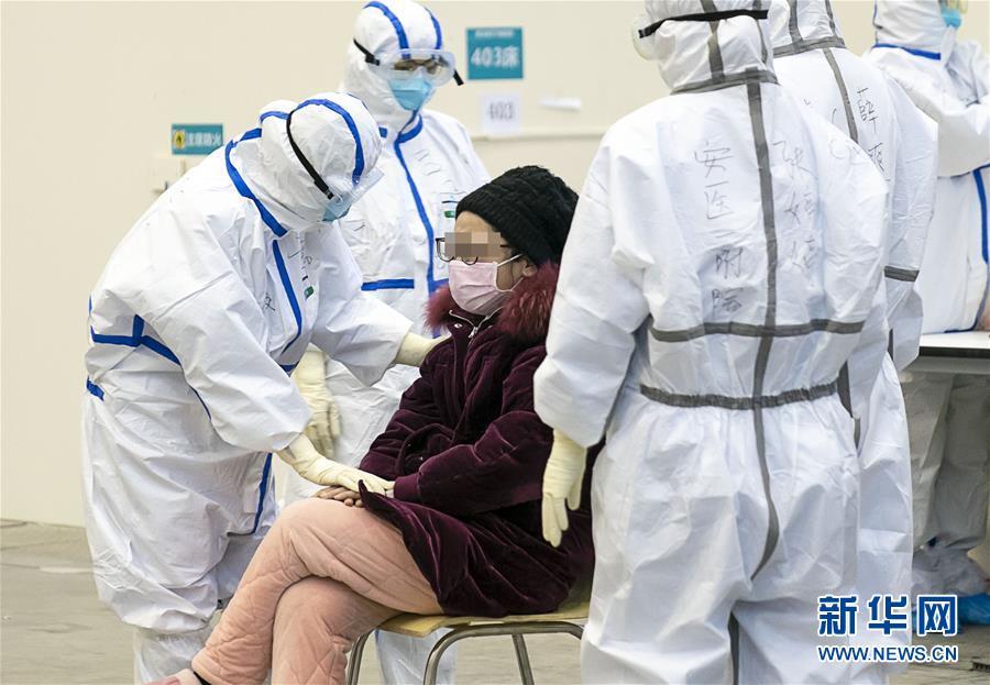 (新華全媒頭條·圖文互動)(3)火線上的中流砥柱——獻給奮戰在抗疫一線的醫務工作者