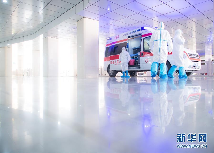 (新華全媒頭條·圖文互動)(5)火線上的中流砥柱——獻給奮戰在抗疫一線的醫務工作者
