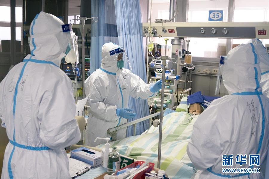 (新華全媒頭條·圖文互動)(14)火線上的中流砥柱——獻給奮戰在抗疫一線的醫務工作者
