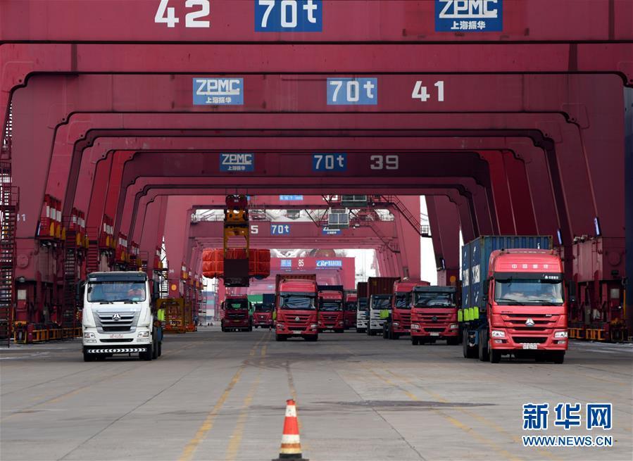 (圖文互動)(2)海港轉運不停歇 整體運能待釋放——沿海主要港口生産見聞