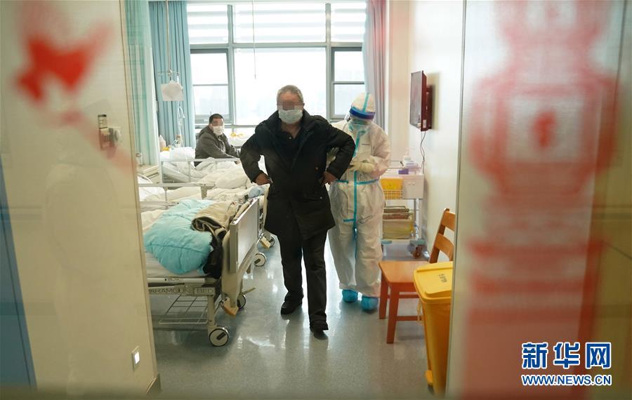 """(新华全媒头条·图文互动)(4)将战""""疫""""进行到底!——写在武汉疫情防控的关键阶段"""