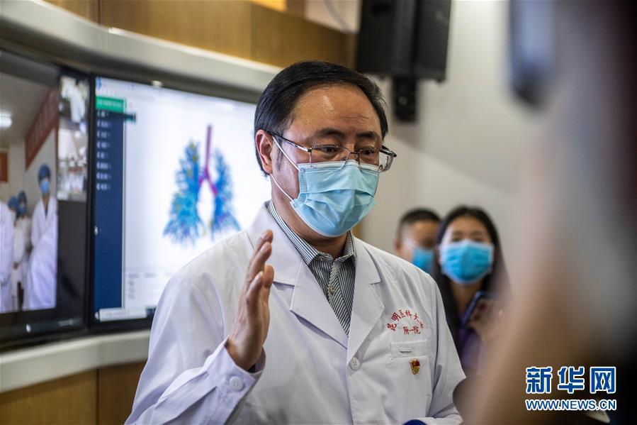 """(圖文互動)(5)雲南抗疫醫生有了""""透視眼"""" 可三維立體看患者肺部"""