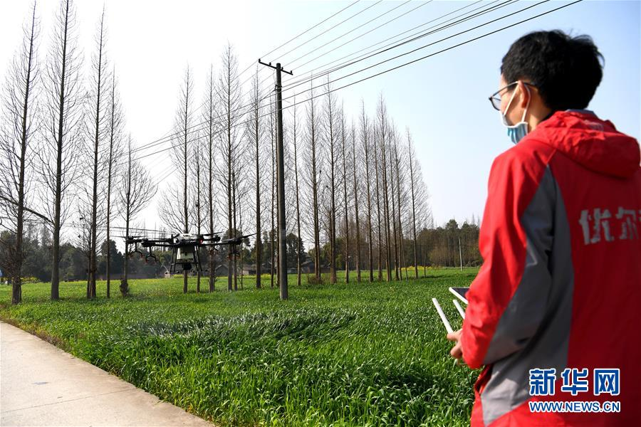 (在习近平新时代中国特色社会主义思想指引下——新时代新作为新篇章·习近平总书记关切事·图文互动)(6)为农田注入硬核生产力——一些地方春耕中农业科技创新扫描